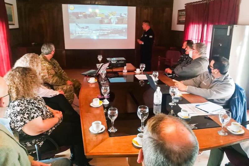 Autoridades nacionales y provinciales evalúan la disposición de los residuos de la Antártida