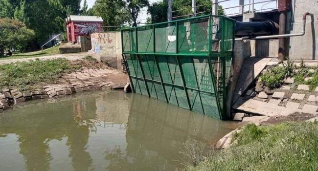 Licitarán otro canasto para evitar que la basura llegue al río Negro en Viedma